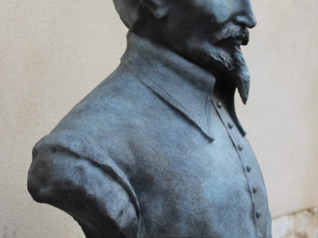 Statue buste Olivier de Serres domaine du Pradel