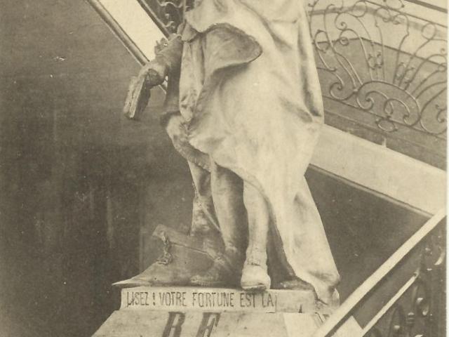 Statue de plâtre mairie d'Aubenas